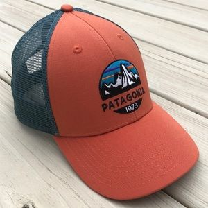 NWOT Patagonia Fitz Roy Scope LoPro Trucker Hat